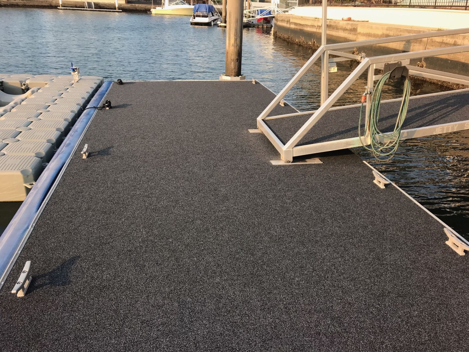 How to Choose the Right Floating Pontoon